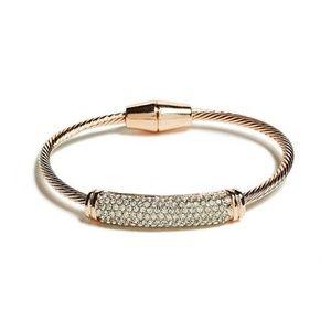NWOT Guess RoseGld Twisted Magnetic Bracelet (705)